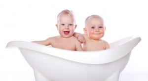 Интимная гигиена малыша: как правильно подмывать мальчика